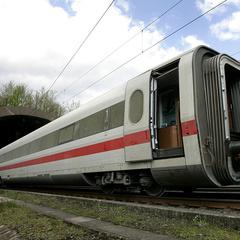 В Австрії у поїзда «Москва - Ніцца» на повному ходу відвалилися двері