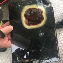 На борту літака загорівся планшет Samsung
