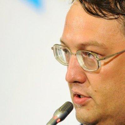 Геращенко відверто висловив свою думку про вбивство Мотороли і погрози Захарченко