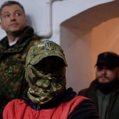 У Чернівцях люди в масках зірвали показ фільму про ЛГБТ (відео)