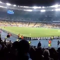 Під час матчу Ліги чемпіонів пролунала кричалка про Моторолу (відео)