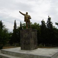 У Криму невідомі зруйнували пам'ятник Леніну (фото)