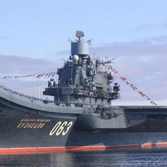 Російський авіаносець висміяли у соцмережах (Відео)