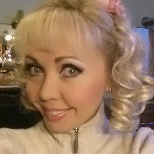 Артистка Дніпровського оперного театру посміялася над побиттям АТОшника