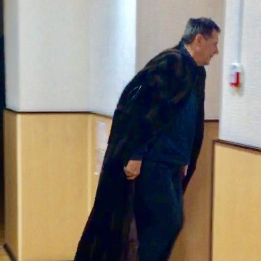 Чугуївській суддя прийшов на роботу в норковій мантії (фото)