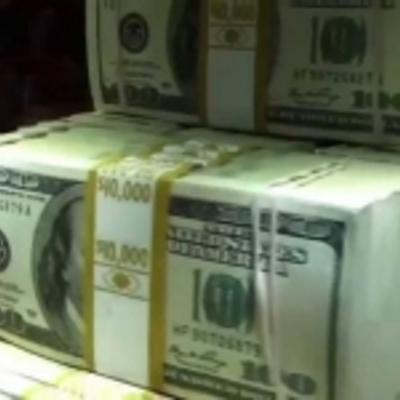 Мільйон доларів викрали з квартири в безробітної киянки