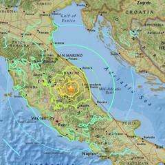 Потужний землетрус в Італії повністю зруйнував містечко, є жертви (відео, фото)