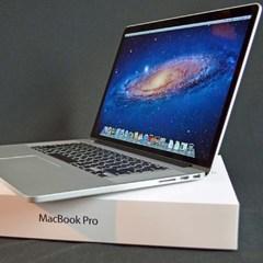 Компанія Apple презентувала новий MacBook Pro (відео)