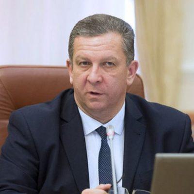 Міністр соцполітики зізнався, що живе на саму зарплату