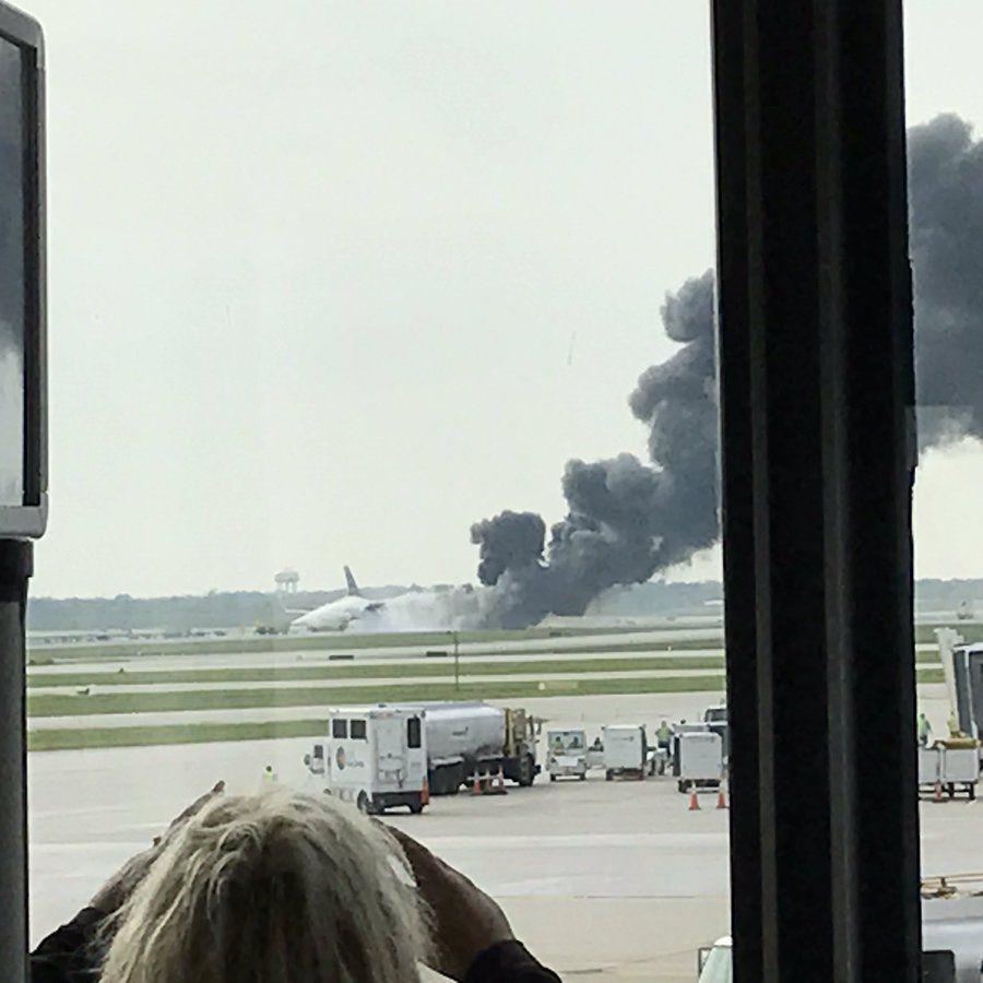 В аеропорту Чикаго із пасажирами загорівся «Боїнг-767» (відео)