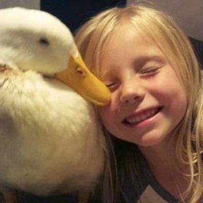 5-річна дівчинка, а вже «мама» (фото)