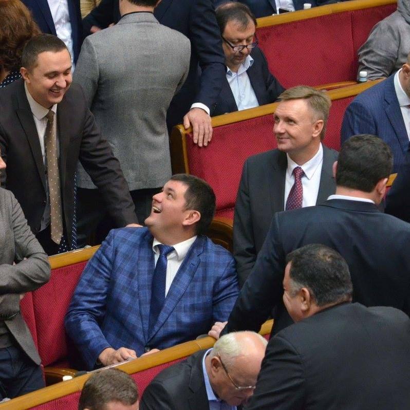 Чи знають українські депутати, скільки коштує куб води і буханець хліба? (відео)