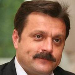 Нардеп Деркач не розповів про дружину-мільйонерку у декларації