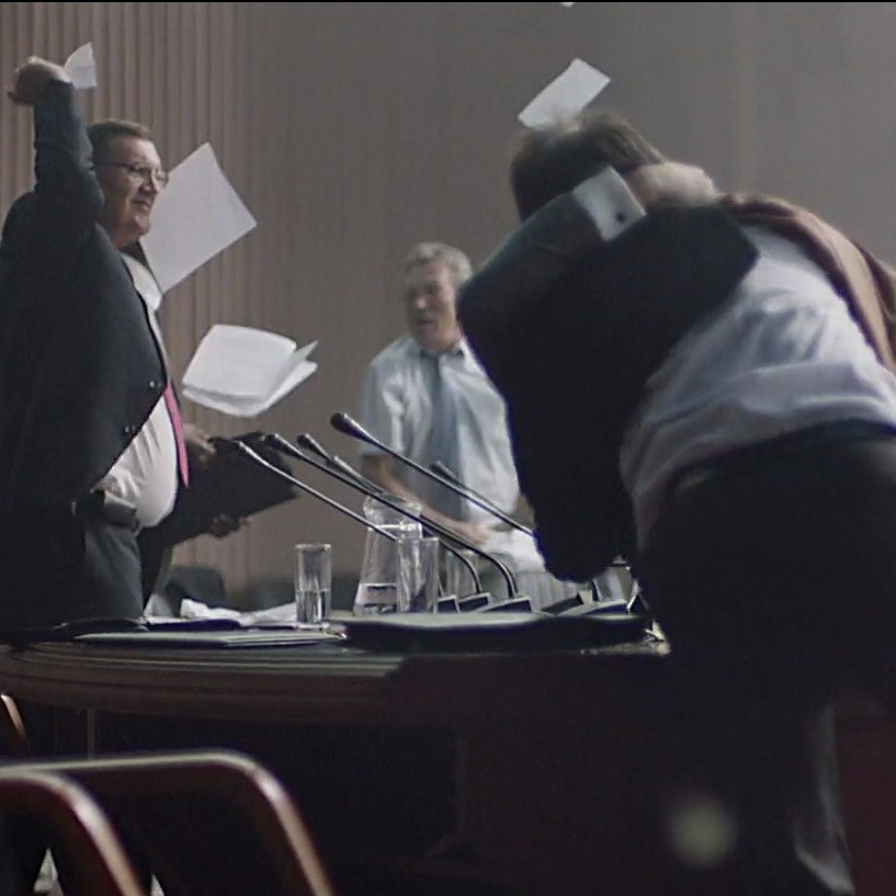 Рівненські депутати влаштували бійку під час засідання (відео)
