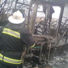 На Харківщині згорів рейсовий автобус (фото)
