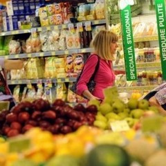 В Італії відкрився супермаркет, де за покупки платять волонтерством