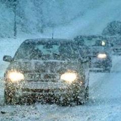 Суцільний хаос на дорогах України через сильні снігопади