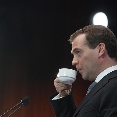 Медведєв пропонує перейменувати каву «американо» в «росіяно»