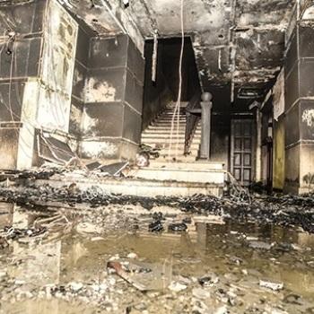 В Одесі у торговий центр кинули «коктейль Молотова», є постраждалі (фото)