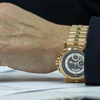 Через Крим російські посадовці можуть залишитись без швейцарських годинників