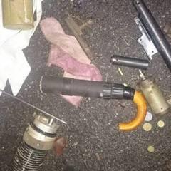 У «чорного археолога» поліція вилучила пристрій для стрільби, зроблений з парасольки