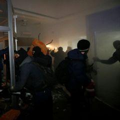 В соцмережі з'явилося відео погрому «Сбєрбанку» в Києві (відео, фото)