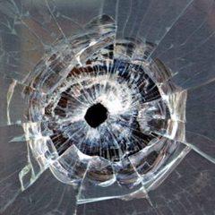 Вночі на Троєщині обстріляли будинок