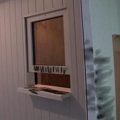 У Києві біля залізничного вокзалу шахраї обладнали фальшивий пункт обміну валют - поліція (відео)