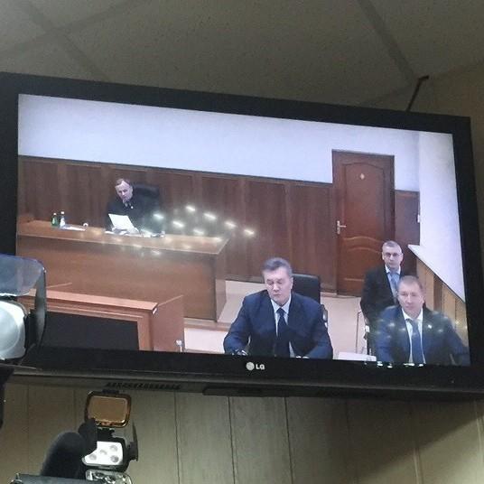 Відеодопит Януковича зірвано: засідання суду перенесено