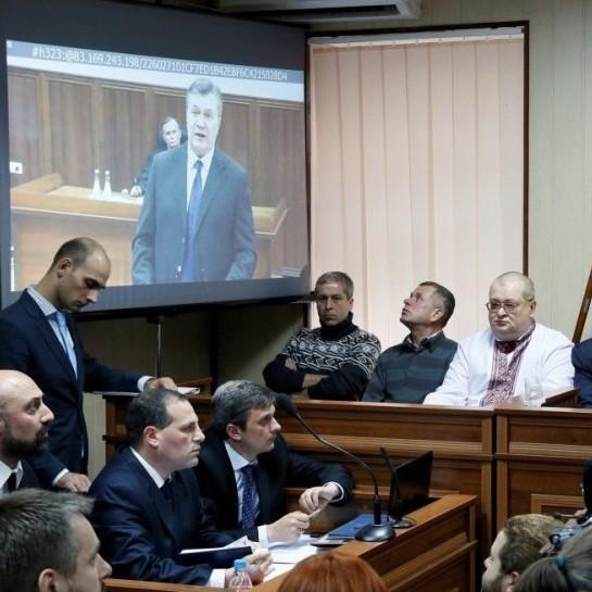 Янукович розповів, як тікав з України