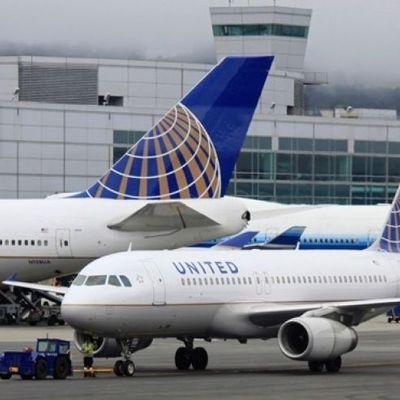 У США відчайдушна жінка вистрибнула з літака