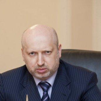 Турчинов вважає, що Україна повинна ввести візовий режим з Росією