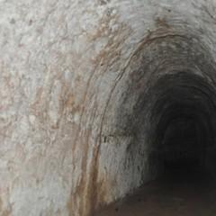 У Рівному знайшли підземний тунель та загадкову кімнату