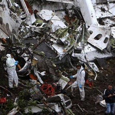 «Допоможіть, ми падаємо». Опубліковані останні слова пілота впав у Колумбії лайнера