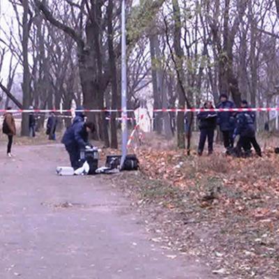 Вранці в одеському парку виявлено обгорілий труп на інвалідному візку (відео)