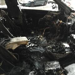 В центрі Києва спалили авто нардепа (фотофакт)