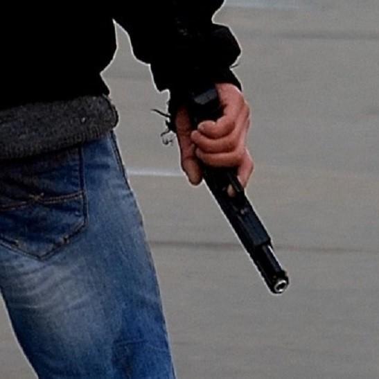 На Харківщині підполковник цілився пістолетом у водія сміттєвоза (відео)