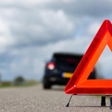 Вдаримо по МАФам: в Києві патрульний автомобіль протаранив кіоск
