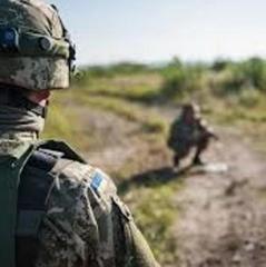 На військовому полігоні через детонацію міни поранені військові-контрактники