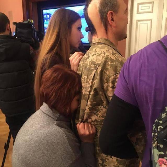 Подвиг генерала та його дружини в одному фото