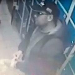 У столичному магазині на відео потрапив злодій, який грабує камери схову