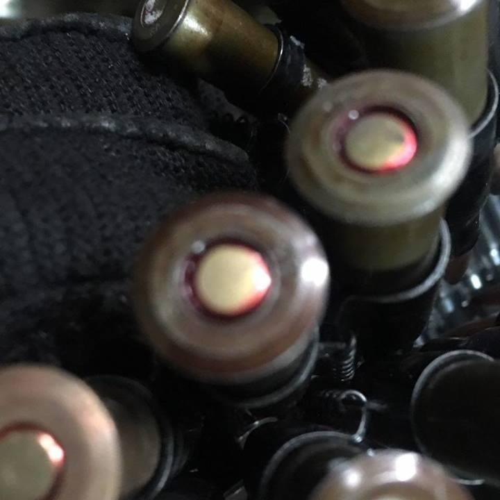 Прикордонники знайшли великий сховок зі зброєю на Донеччині