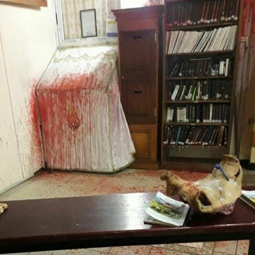 В Умані невідомі влаштували погром у синагозі (фото, відео)