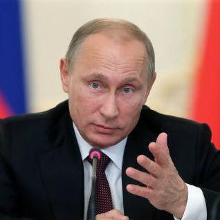 Путін заявляє, що затримані в Криму  «розвідники» з України дають детальні зізнання