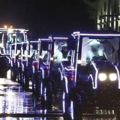 У Білорусі влаштували шоу танцюючих тракторів (відео)