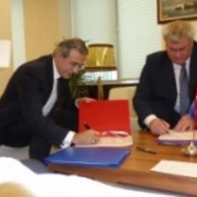 Україна підписала документи у сфері військово-фінансового співробітництва з Туреччиною