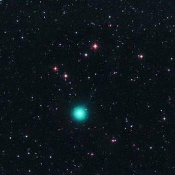 Унікальна комета пролетить над Землею