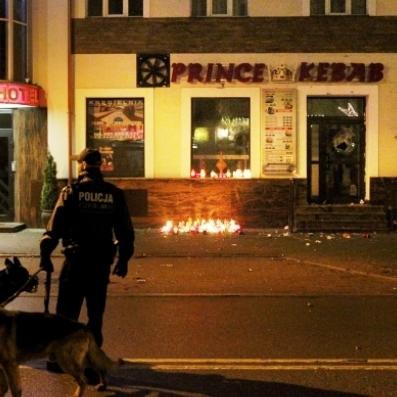У Польщі - заворушення через вбивство, скоєне мігрантами (відео)