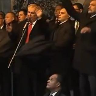 Вердикт чеського суду: кидання яєць у президента - не злочин (відео)