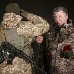 Військових, яких 31 грудня нагороджував Порошенко, залишили зустрічати Новий рік в холодному ангарі - соцмережі